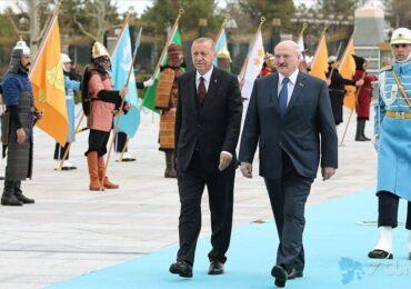 Belarus prezidenti Lukoşenko Ankarada təntənə ilə qarşılanıb
