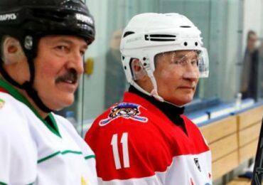 Rusiya və Belarus prezidentləri bir komandada xokkey oynayıblar (VİDEO)