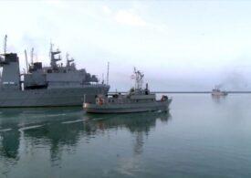 MN: Hərbi gəmilər döyüş atışları icra edib