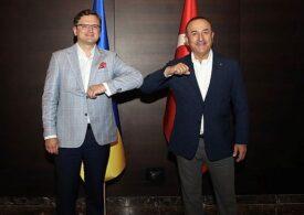 Türkiyə və Ukrayna XİN başçıları arasında telefon danışığı olub